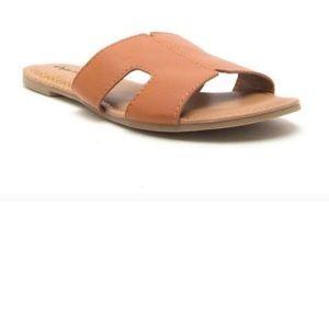 Shoes - Spring Essential Sandals